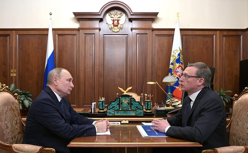 Губернатор Омской области Александр Бурков встретился с Владимиром Путиным