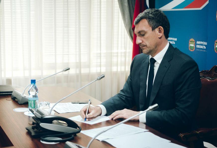 Амурский губернатор поручил усилить прививочные бригады для минимизации очередей