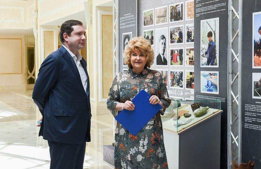 Алексей Островский заявил о всемерной поддержке поисковиков на открытии выставки в Совфеде