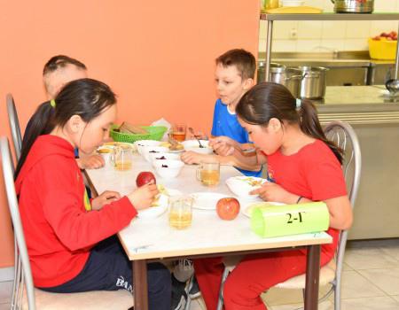 Ямал внедряет спецменю для школьников с аллергиями и диабетом