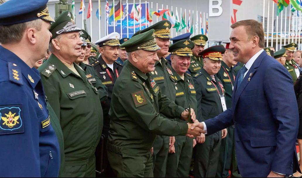 Дюмин принял участие в Международном военно-техническом форуме форуме «Армия-2021»