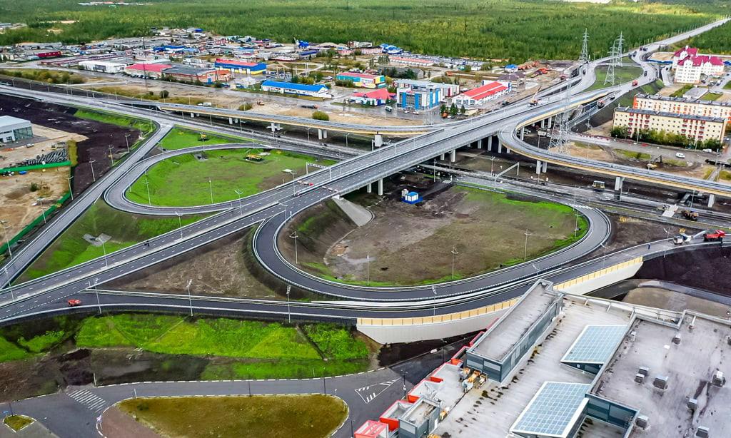 Губернатор Ямала открыл крупнейшую в регионе транспортную развязку