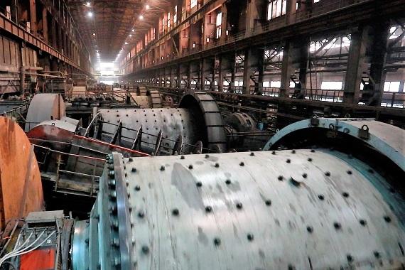 Михайловский ГОК ввел в опытно-промышленную эксплуатацию на МГОКе новую шаровую мельницу