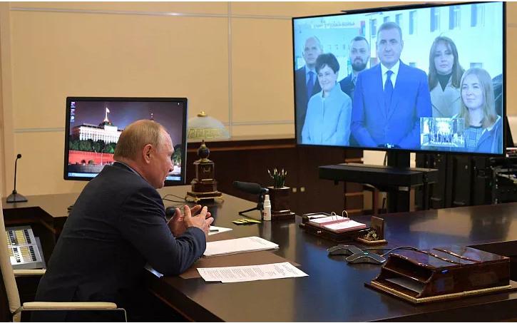 Дюмин доложил Президенту о результатах работы по развитию региона за 5 лет