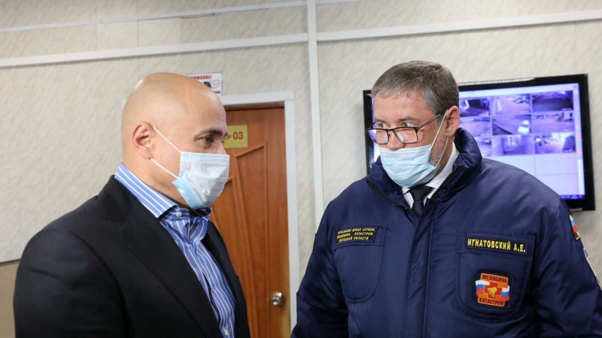 Глава региона назначил ежемесячные выплаты работникам скорой помощи